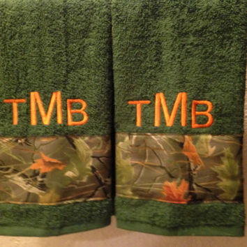 Mongrammed Camouflage 2 Piece Towel Set, Hunting Decor, Gift for Hunters, Camo Towels, Housewarming Gift for Man, Mens Bath Decor
