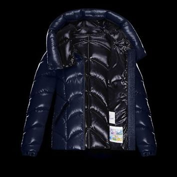 Moncler AKEBIA in Short outerwear for women | Official Online Store