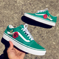 Vans Green Embroidery Rose Classic Canvas Leisure Shoes B-CSXY Black Background print