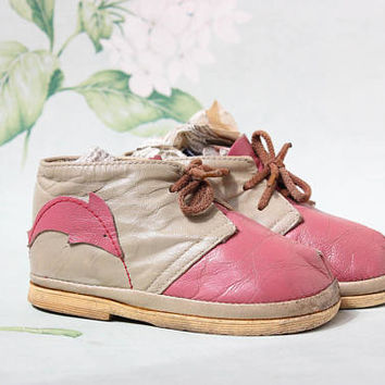 Pink Dolphin Leather Moccasins / Soviet Vintage Two Tone Lace Up Ankle Booties, USSR Toddler Brogues, Crib Shoes: Age 2, US6, EUR22, UK5