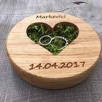 Ring Bearer Pillow Alternative, Oak Wood Slice, Woodland Wedding, Moss Ring Bearer Pillow, Country Wedding, Ring Bearer, Natural Oak Wood