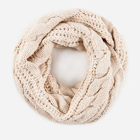 DailyLook: Cable Knit Infinity Scarf