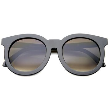 Women's Oversize Round Horned Rim Flat Front Sunglasses A138
