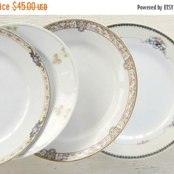 On Sale Set of 4  Mismatched Dinner Plates, Tea Party for 4, Wedding, Cottage Chic, Vintage, Replacement China