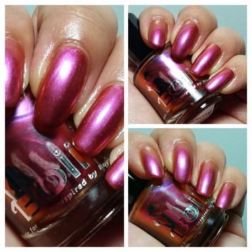 Brooklyn - duochrome nail polish - boiicosmetics