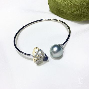11-12 mm Tahitian Pearl Adjustable Bracelet 18k Gold w/ Sapphire - AAAA