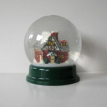 Vintage Snow Globe, Home and LIving, Home Decor, kids, Christmas, collectible