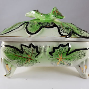 Porcelain Floral Leaf Covered Trinket Box (991)