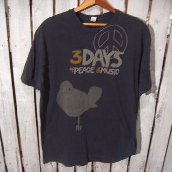 Woodstock Retro T-Shirt, 3 Days of Peace and Music, Size Large, Charcoal Gray
