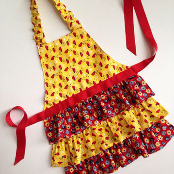 Lady Bug Apron, Girl Ruffle Apron, Frilly Apron for Girls, Ruffle Apron for Girls