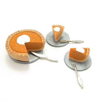Miniature Pumpkin Pie Polymer Clay Thanksgiving Dollhouse Food