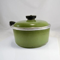 Club Sauce Pan Avocado Green - Domed Lid 2 Quart Large Size - Vintage Aluminum Kitchen Cookware - Retro 1950s 60s