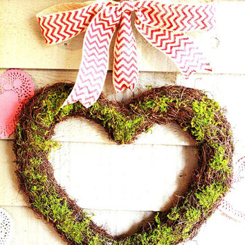 Large Valentine  Wreath , heart wreath ,  Moss wreath , Valentines Wreath ,  Love Wreath , heart Wreath-Valentine day
