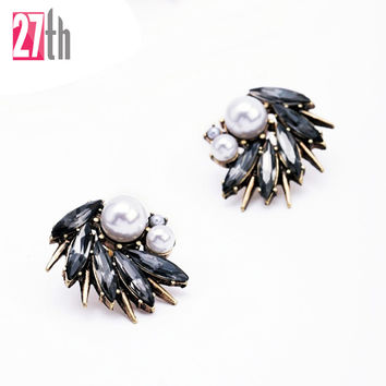 1 Pair Irregular White Pearl Decoration Antique Bronze Spike Stud Earrings Women Fashion Jewelry China Factory Low Price