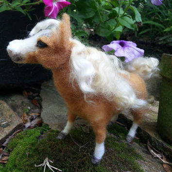 Needle Felted Palomino Horse, Poseable Soft Sculpture of Pony
