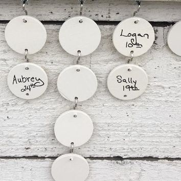 Blank Wooden Circles for Family Celebrations Sign - Names NOT Included - Pack of 10