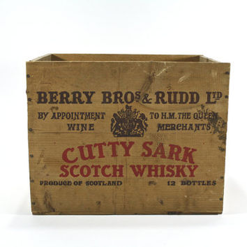 Vintage Wood Whiskey Crate / Vintage Cutty Shark Scotch Whiskey / Industrial Decor
