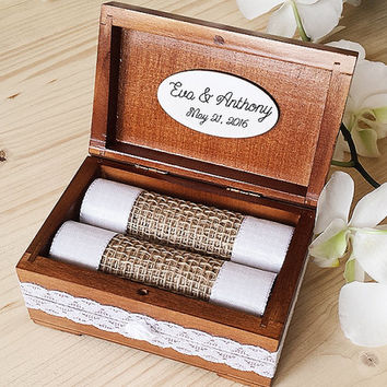 Personalized wedding ring box - Wooden ring holder - Rustic Wedding Ring Box - Ring bearer box - Wedding ring holder,  Wooden Ring Box