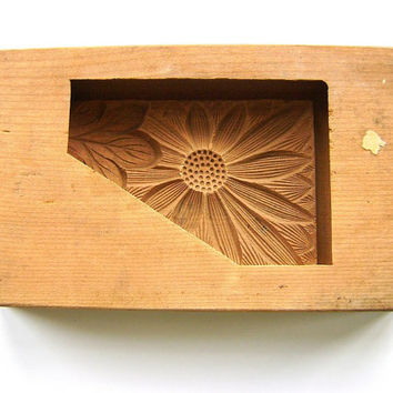 Chrysanthemum Vintage Japanese Kashigata Mold Flower Mold Sugar Cake Mold Cookie Mold