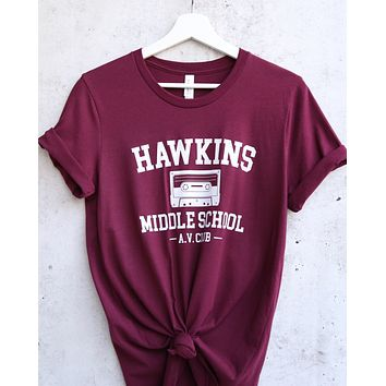 distracted - hawkins middle school unisex graphic tee - burgundy/white