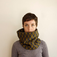 Knit Circle Scarf - Knitted Cowl - Geometric Cubes - Olive Green & Navy