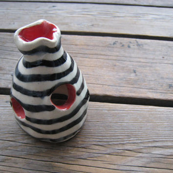 Betta Fish Cave - Fish Tank Decor - Aquarium Decoration - Ceramics and Pottery - Red and Black - Outdoor Garden Art - Surrealist Pottery