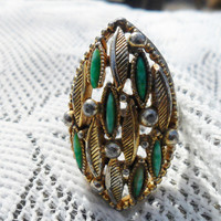 Vintage Ring w/ Green Lucite Filigree // Steampunk Ring