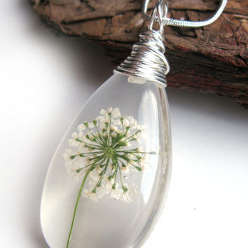 White Queen Anne Lace Necklace - Real Flower Encased in Resin - Pressed Flower Jewelry - Resin Jewelry - Wire Wrapped Pendant