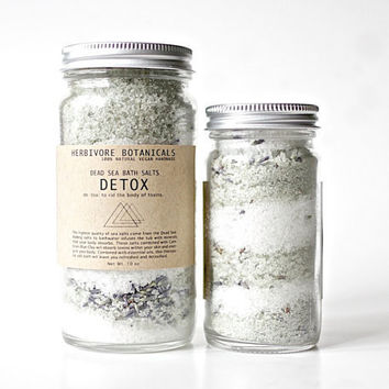 Detox Bath Salts. Dead Sea Salt. Cambrian Blue Clay. Made with Essential Oils. 100% Natural. 10 oz. Jar of Bath Salts.