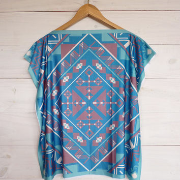 Emerald Tunic top, aztec style, ethnic shirt, tribal printed design, short batwing sleeves by Texturable
