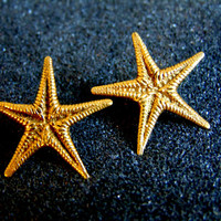 Beautiful 18k solid gold starfish earrings-Yellow gold starfish stud earrings-Unique gold earrings for women-Unsual women's earrings