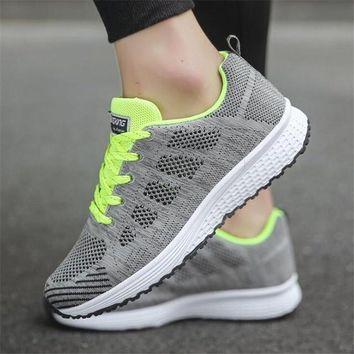 Women casual breathable Walking mesh lace up flat shoes