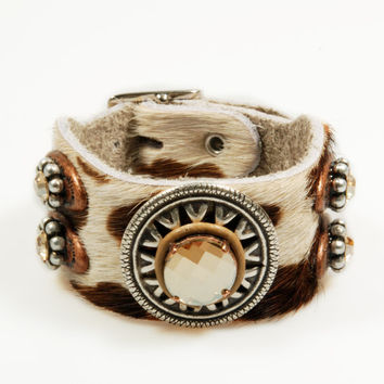 Leather cuff pied hide - bracelet western concho - Swarovski Crystal - bohemian gypsy style - bruin and cream - silver, copper