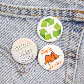 Green Recycling Symbol 1.25 Inch Pin Back Button Badge