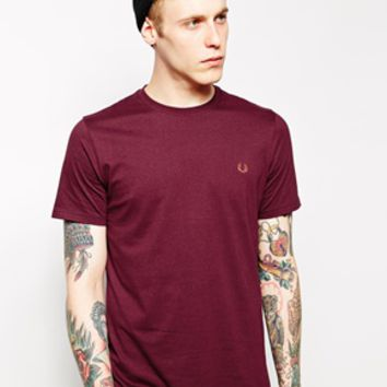 Fred Perry T-Shirt with Laurel Logo EXCLUSIVE - Red