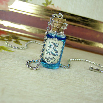 Shade of the Evening GAME OF THRONES 2ml Glass Vial Necklace - Glass Cork Bottle Pendant - Westeros Song Ice Fire Poison Charm