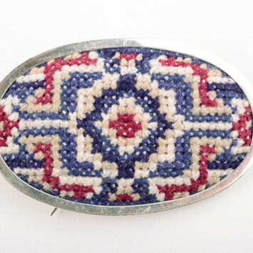 Handmade embroidered Brooch Fashion Jewelry Accessories designer Gift ideas