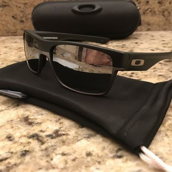 Oakley Men's Polarized Mirror Twoface OO9189-01 Black Rectangle Sunglasses