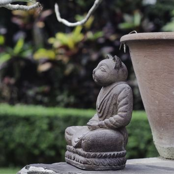 Handmade Volcanic Ash Antique Brown Cat Namaste Statue (Indonesia) | Overstock.com Shopping - The Best Deals on Garden Accents