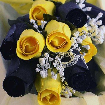 Bumble Bee Bouquet | Jewelry Roses® Bouquet