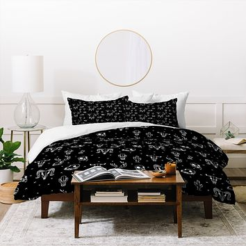 Wesley Bird Treasures Duvet Cover