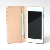 Personalized Leather IPhone 5 Case / Iphone 5 Wallet / Women's or Men's iPhone 5s Case Wallet / Vegetable Tanned Leather Natural Tan