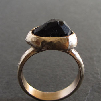 Bronze and rough onyx statement ring // rough gemstone ring / black onyx ring / artisan ring / solitaire ring / rustic ring / bronze ring