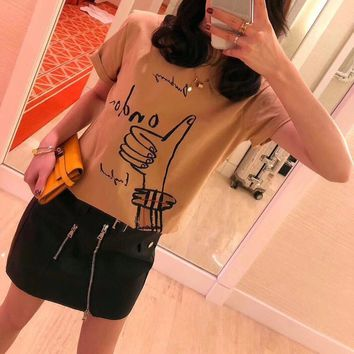 Burberry Women Casual Fashion Personality Gesture Pattern Print Short Sleeve T-shirt Top Tee