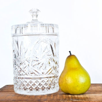 Vintage Large Crystal Storage Jar with lid, Biscuit Jar Apothecary Container Cottonball Storage Bathroom or Kitchen Decor