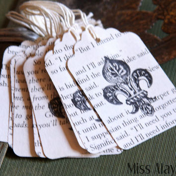 10 Fluer de Lis stamped tag. Small vintage book paper tags. Tags for scrapbooking and papercrafting