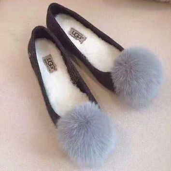 """UGG"" High Quality Fashionable Women Cute Small Ball Wool Flat Single Shoes"