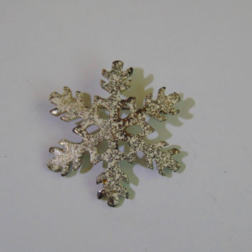 Vintage Snowflake with white enamel Brooch Pin Lapel