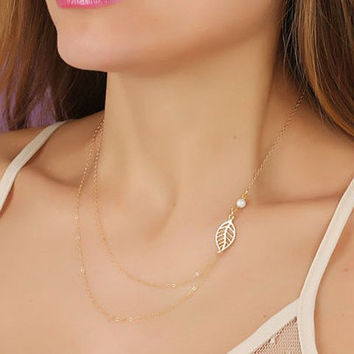 Dainty Leaf Detail Necklace