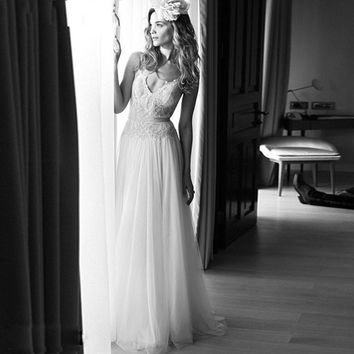 Vintage Boho Beach Wedding Dress 2017 Sexy V neck Backless Lace Spaghetti Straps Vestido De Noiva Tulle Floor Length Bridal Gown